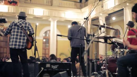 LaVitrola.cl: Drakos – Diputados (en vivo toma de la casa central de la Universidad de Chile)