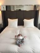 Allein im großen Bett in Amsterdam ;)