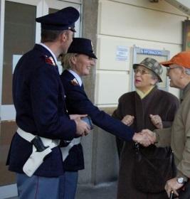 polizia-agenti-anziani264x280