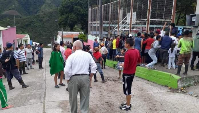 Colombia - Página 11 Venezolanos-Algeciras2