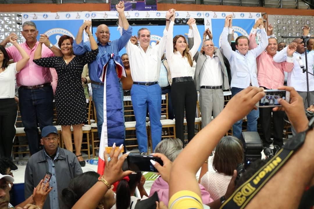 PRM Juramenta a exdiputado Manuel Jiménez. Galería fotos y Videos