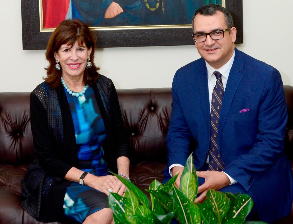 Embajadora de EE.UU. visita al presidente del TSE; hablan sobre retos con miras a elecciones