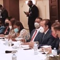 @JosePaliza: Sesión de trabajo con nuestras gobernadoras provinciales en Palacio