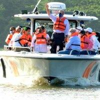 Presidente @LuisAbinader realiza recorrido por los ríos Ozama e Isabela