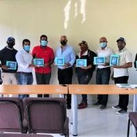 Técnicos de @AgriculturaRD reciben tabletas electrónicas para georreferencia de fincas agropecuarias