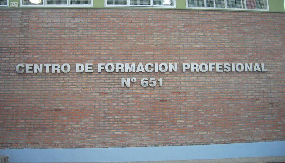 Das Neves felicitó a las comunidades educativas de la Escuela  528 y el Centro Profesional 651 de Madryn por compartir espacios