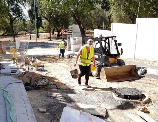 El Ayuntamiento reanuda las obras en calle Jazmín y plaza Méjico