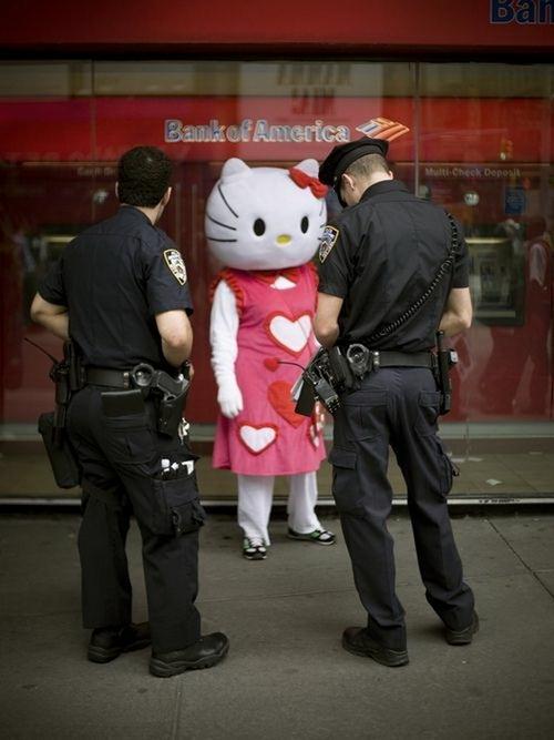 Hello kitty in arresto.