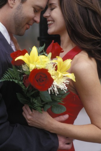 00023-carla-couple-with-flowers-2