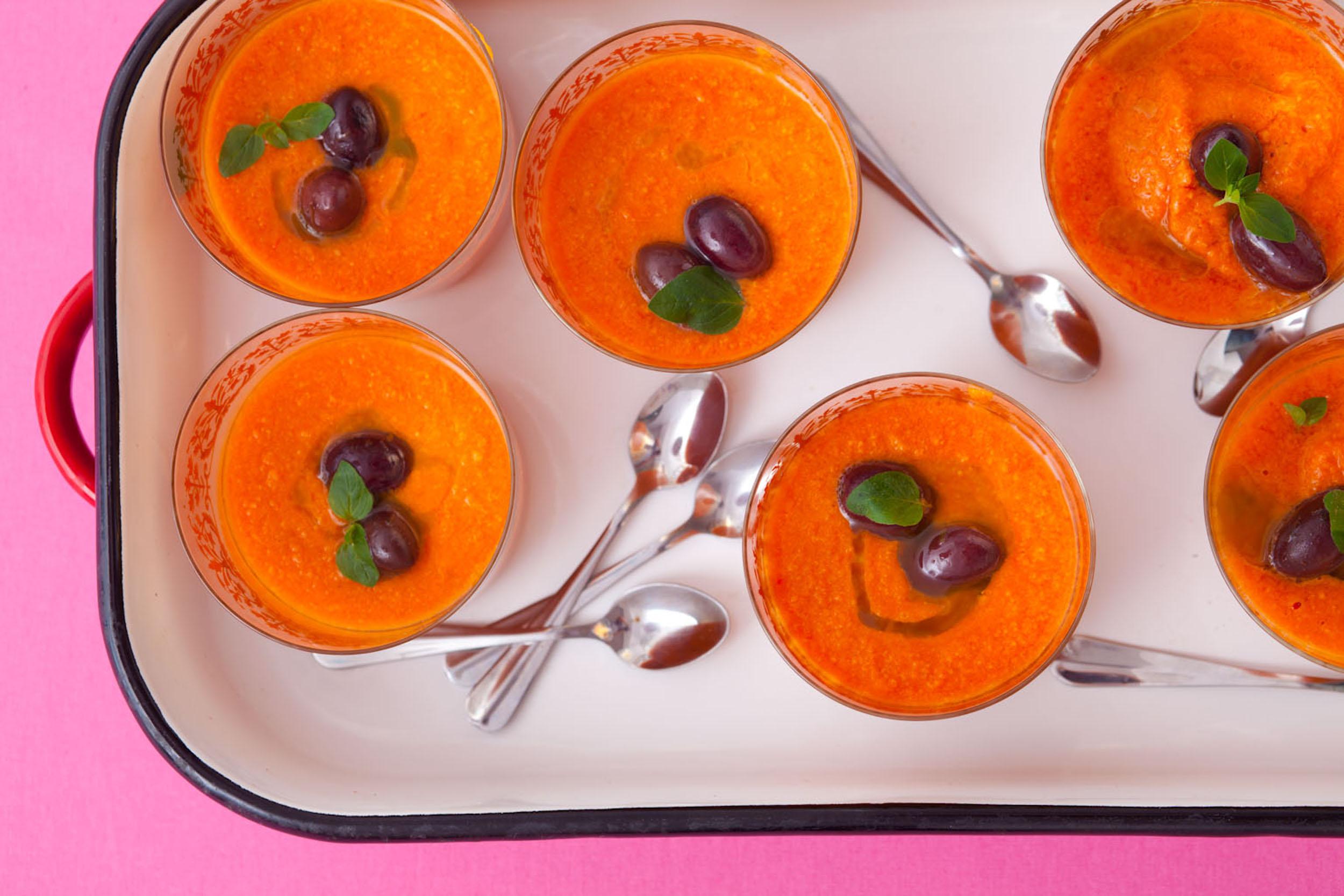 Kremowe gazpacho z opiekaną papryką