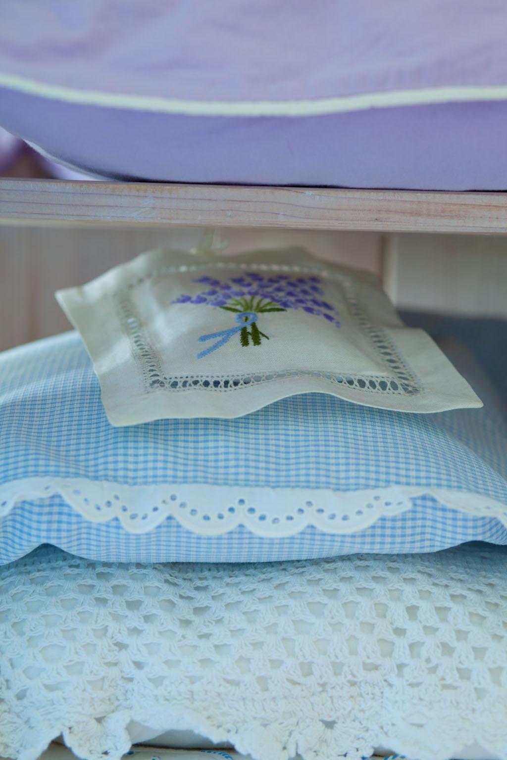 Sprawy łóżkowe, czyli sypialnia w odcieniach lawendy