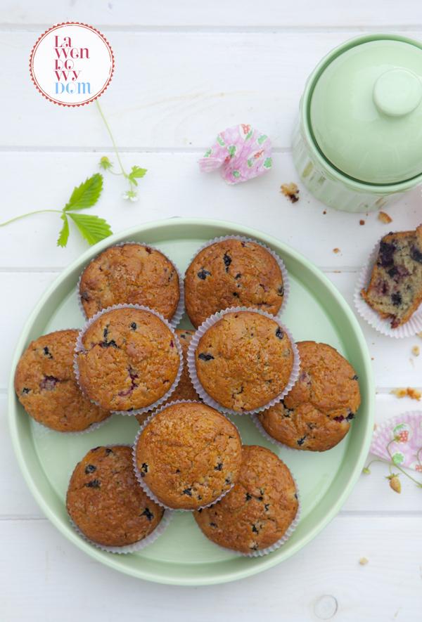 muffiny-z-poziomkami-i-jagodami