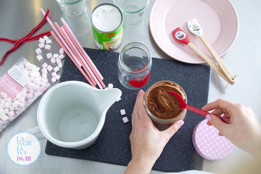 goraca-czekolada-na-mleku-kokosowym-przepis_03