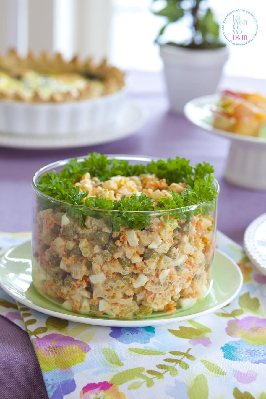 tradycyjna-salatka-warzywna-z-majonezem
