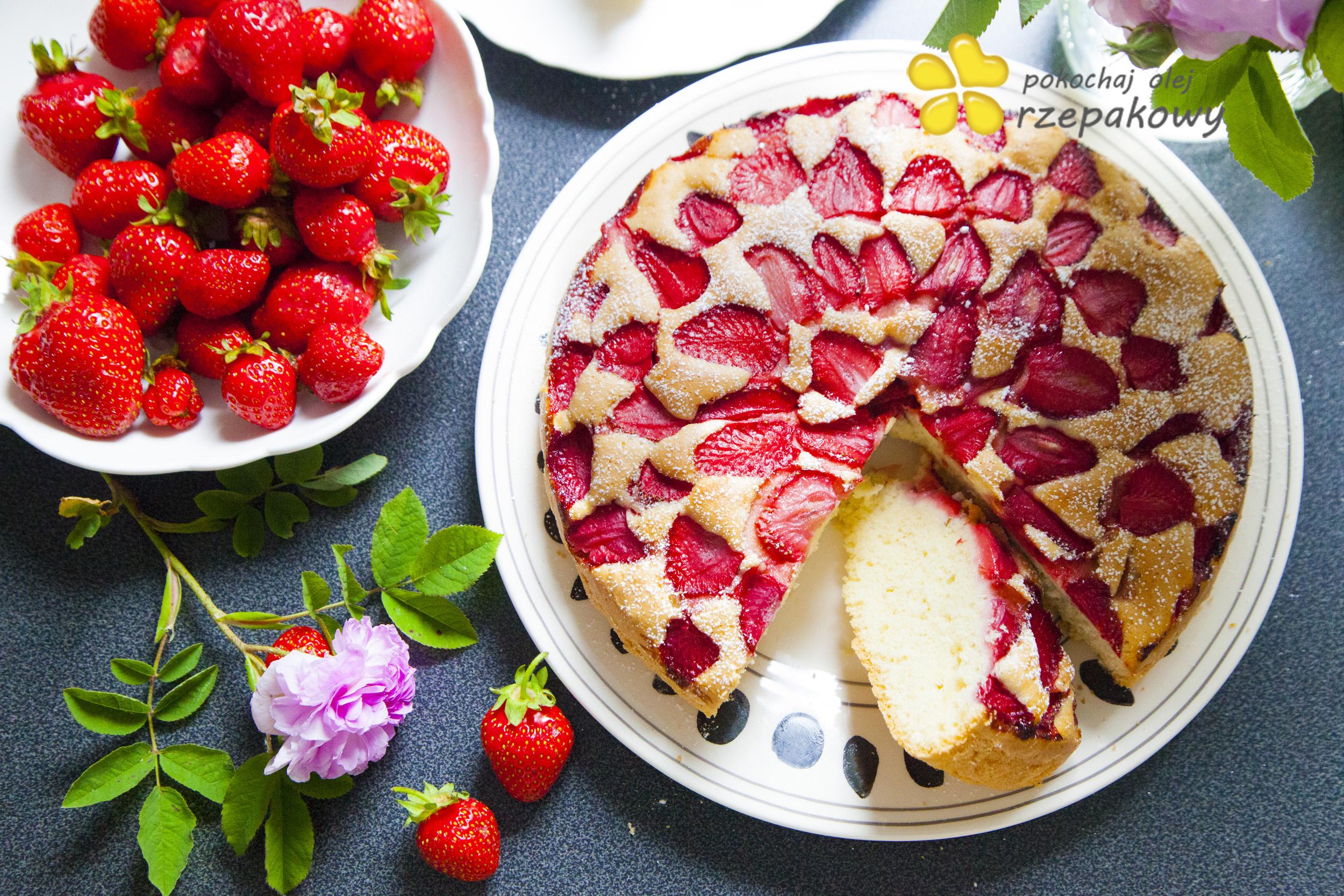 Ciasto z truskawkami na oleju. Pokochaj olej rzepakowy