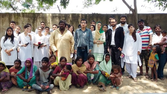 Students of DLC alongwith residents of Trikuta Basti