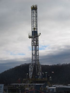 Marcellus_Shale_Gas_Drilling_Tower_4.jpg