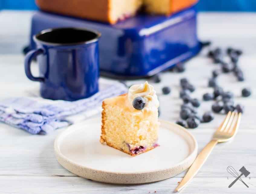 Heidelbeer Kuchen Mit Lemoncurd Und Mascarponefrosting Law Of Baking