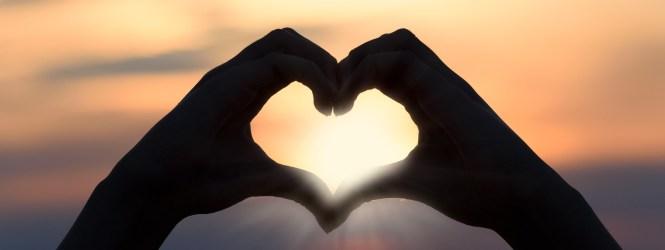 5 Canciones para dedicar en Amor y Amistad.