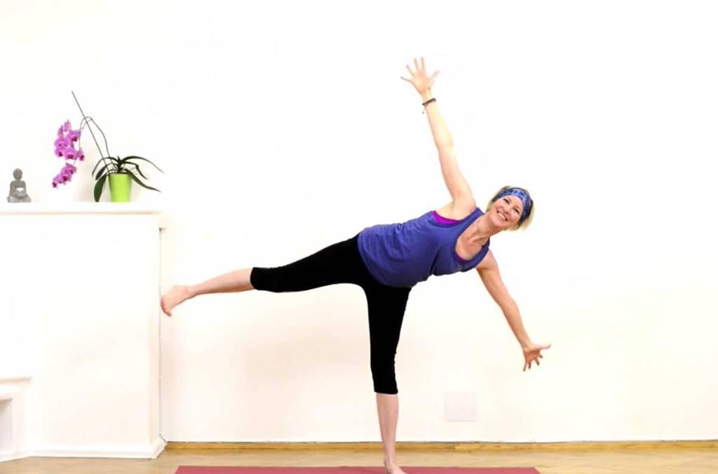 Flug des Adlers Yoga-Sequenz