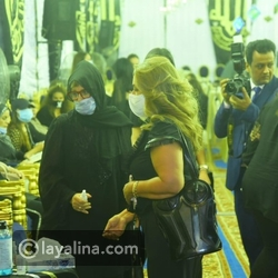 Laila Elwi raises controversy. She danced at Amr Diab's concert in the same clothes as Mahmoud Yassin's condolences