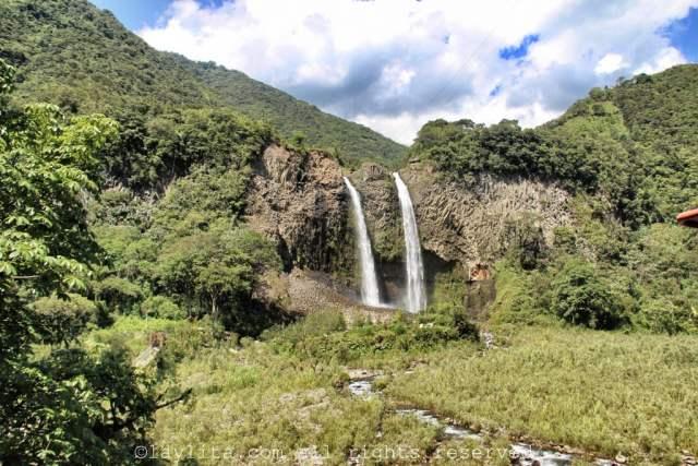 Cascada Manto de la Novia en Baños