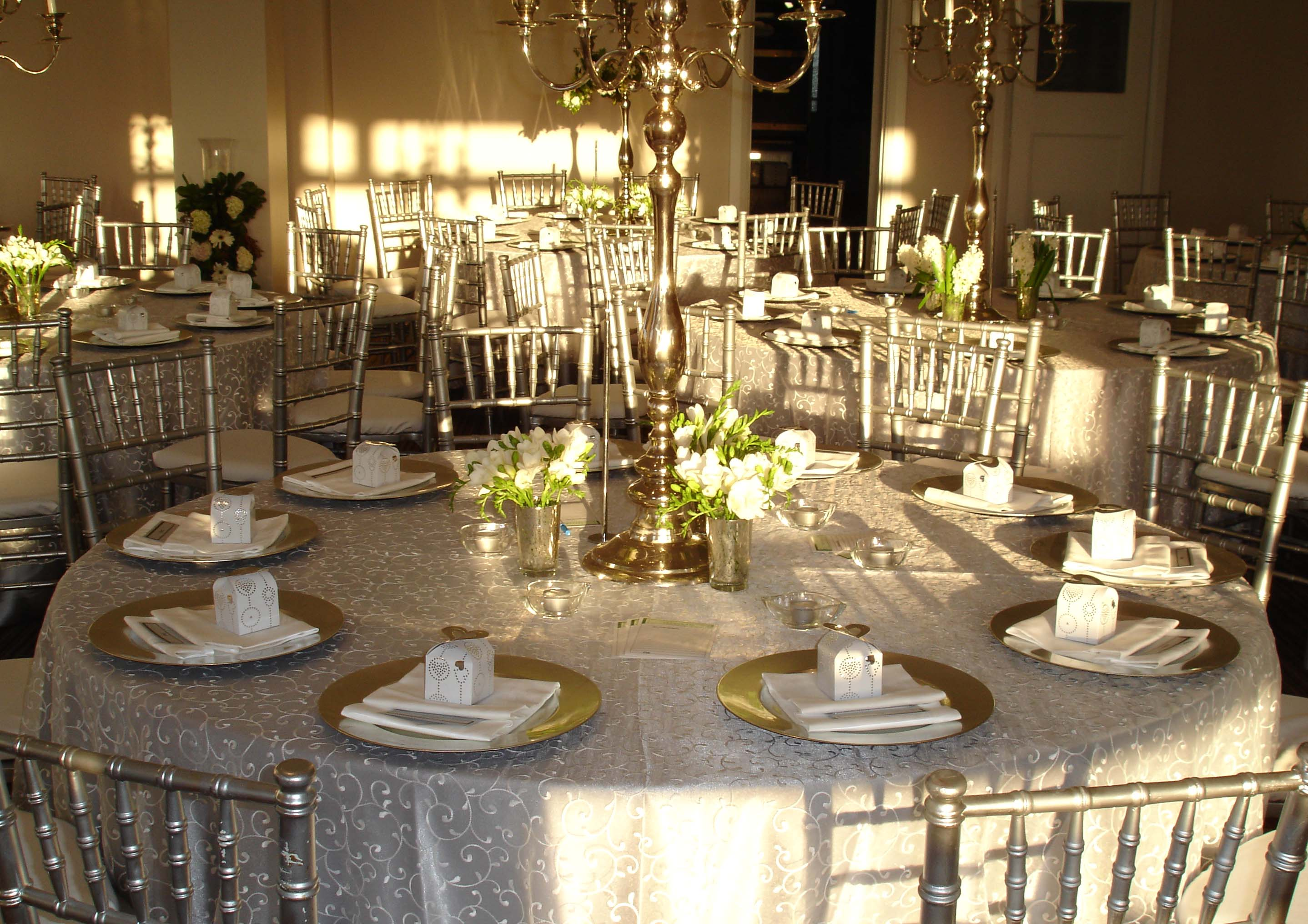 Table Settings For Weddings  Romantic Decoration