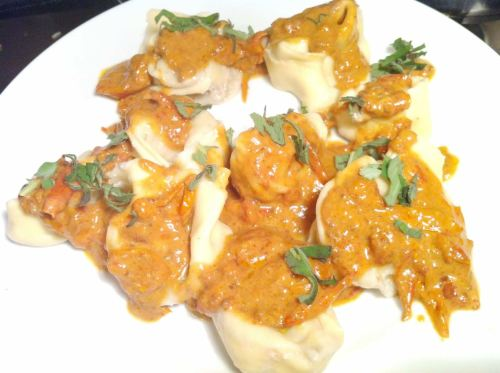 Tortelloni with Gorgonzola & Walnut Stuffing and Sweet Tomato Sauce, Lay The Table