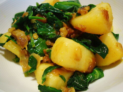 How To Make Indian Saag Aloo, Lay The Table
