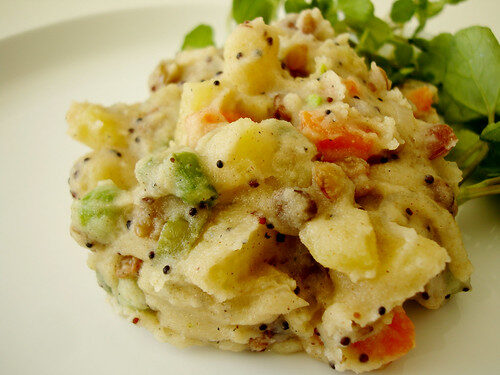 How To Make Vegetable Upma, Lay The Table
