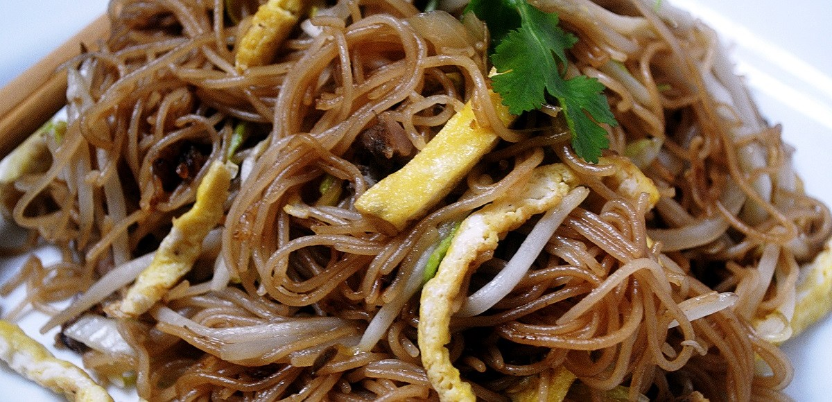 How To Make Chinese Fried Rice Noodles, Lay The Table