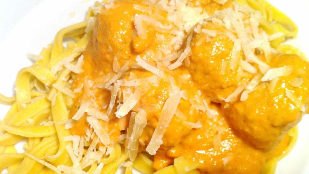 meatballs-and-five-veg-pasta-sauce-2-6193616