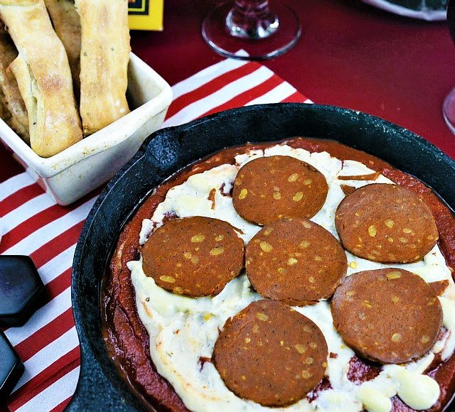 Quick and Easy Vegan Pizza Dip, Lay The Table