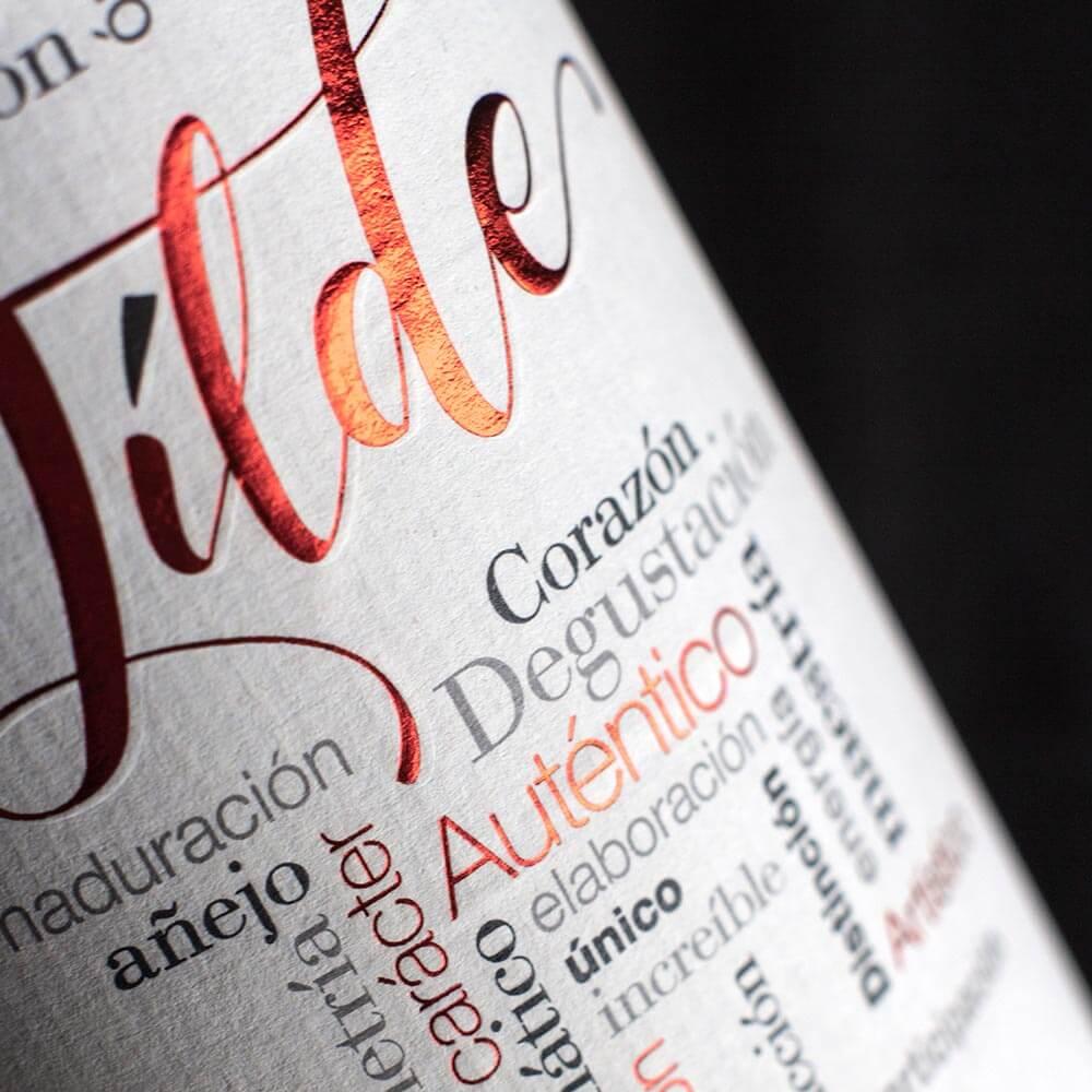 Diseño etiqueta vino Tilde roble