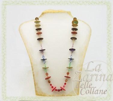 collane multicolor, collana coloratissima, collane particolari, gioielli in legno