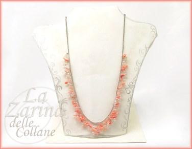 collana coralli, collane estive, collana rosa, coralli e cristallo, lavorazioni particolari collane, catenina decorata, catenina coralli,