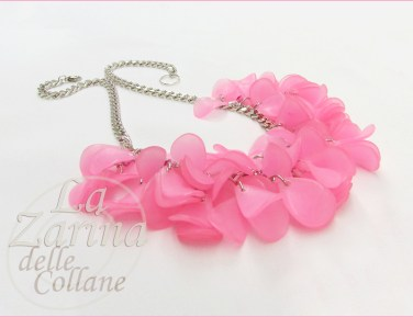 collana pendenti petali rosa Flora