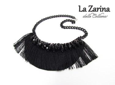 collana nera elegante