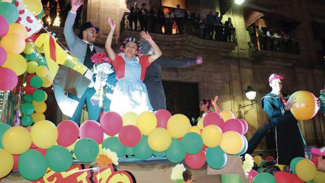 Realizan Caravana de Día de Reyes en el centro de Morelia