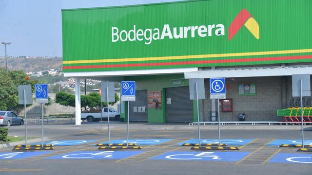 Acribillan a hombre en estacionamiento de Bodega Aurrera en Tacámbaro