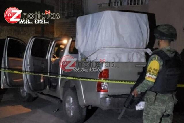 Aseguran la Policía Michoacán y Sedena dos vehículos robados y mil 200 litros de hidrocarburo ilícito en Tarímbaro