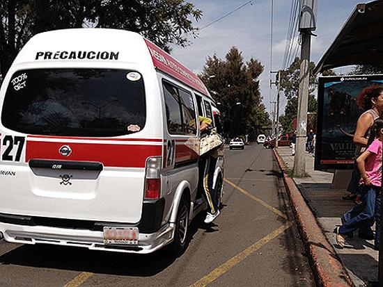 Transportistas suburbanos piden que usuarios traigan cubrebocas, hay sanciones para choferes que no los usen