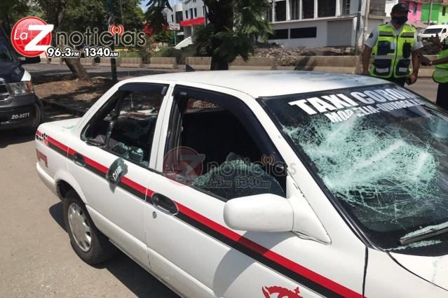Atacan taxi de Quiroga en Morelia