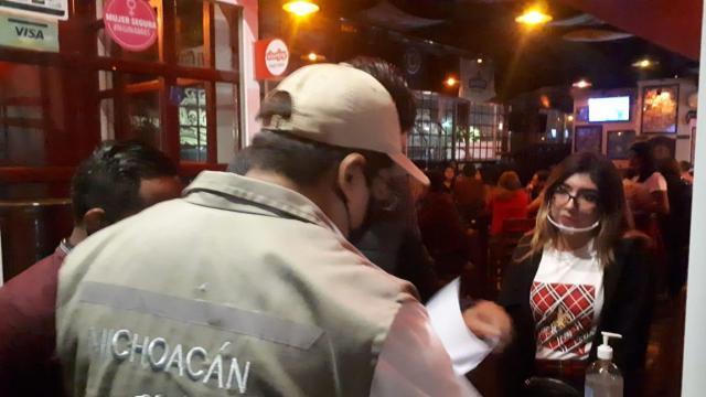 Gobierno del Estado, Coepris y Policía Michoacán, clausuran seis negocios nocturnos por infringir  decreto sanitario