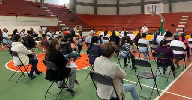 Entrega Gobierno Estatal créditos a empresarios de Tacámbaro