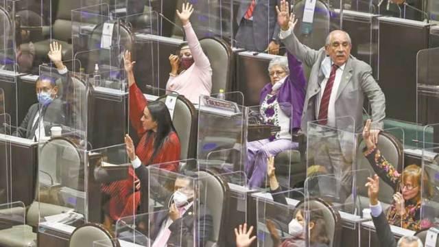 Diputados gastan 4 mdp en pruebas Covid… y se han contagiado 63