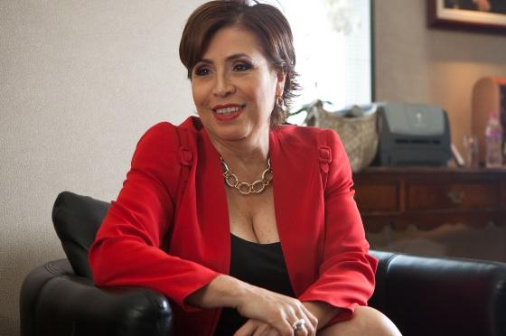 La FGR me tiene como rehén para declarar contra excolegas, acusa Rosario Robles