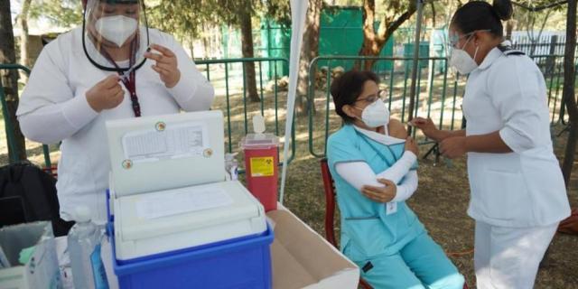 Al llegar a 20% de vacunación, mortalidad por COVID-19 se reducirá en 80%: Ssa