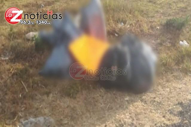 Embolsado y con cartulina hallan cadáver en Chilchota