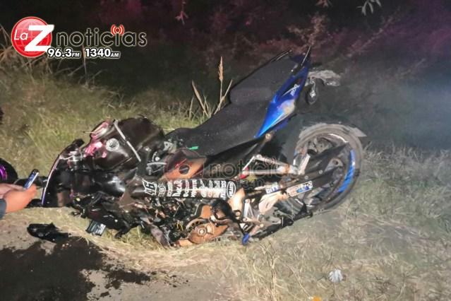 Motociclista pierde la vida al ser arrollado por un tráiler en Tangancícuaro